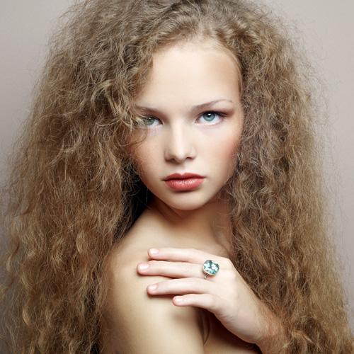 Jean Paul Coiffure - Salon de coiffure Paris 75013 et Pantin 93500 - cheveux frisés coupe coiffage coloration enfants juniors adolescents