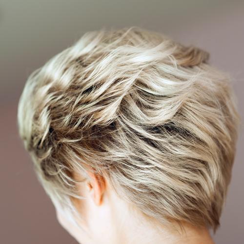 Salon de coiffure Paris 75013 et Pantin 93500 - Jean Paul Coiffure - coupe cheveux courts coloration naturelle et végétale mèches coupe ciseau coiffage femme