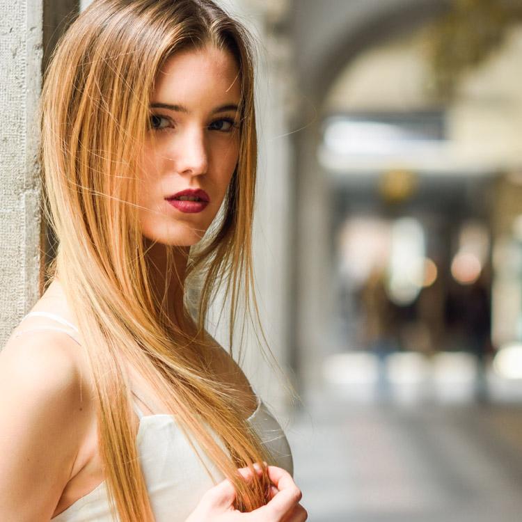 Lissage cheveux frisés à Paris 13 et Pantin 93